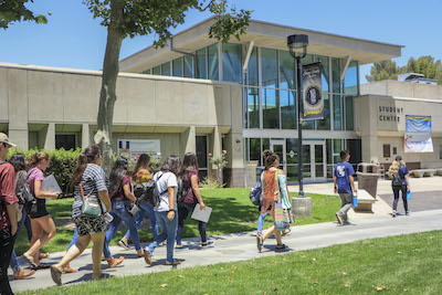 Canyons Promise students tour the Valencia campus.
